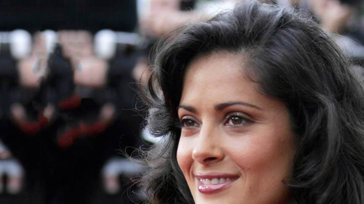 Salma Hayek – Smiling In Crowd, Face Closeup