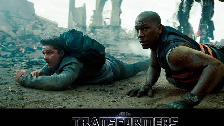 Shia LaBeouf and Tyrese Gibson in Transformers – Dark of the Moon