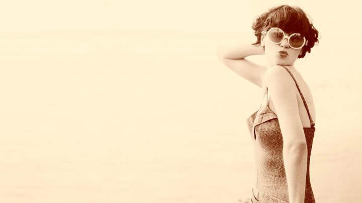 Zooey Deschanel Old Sepia Color Kissing Picture