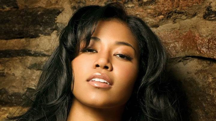 Amerie Wet Lips N Face Closeups