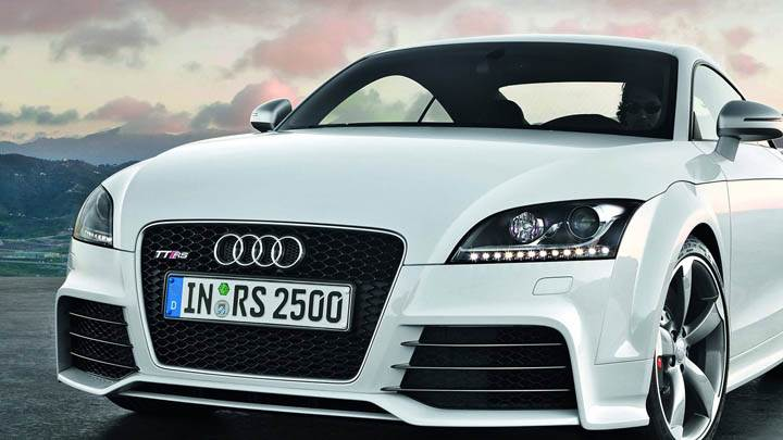 Audi TT-RS – Front Headlights