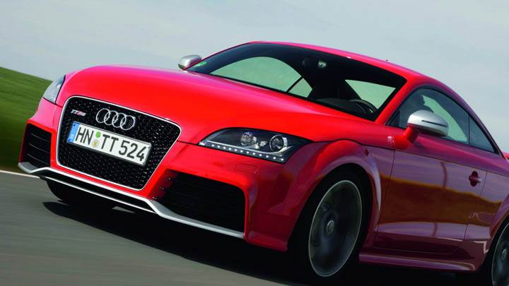 Audi TT-RS – Front Side Pose in Red Color
