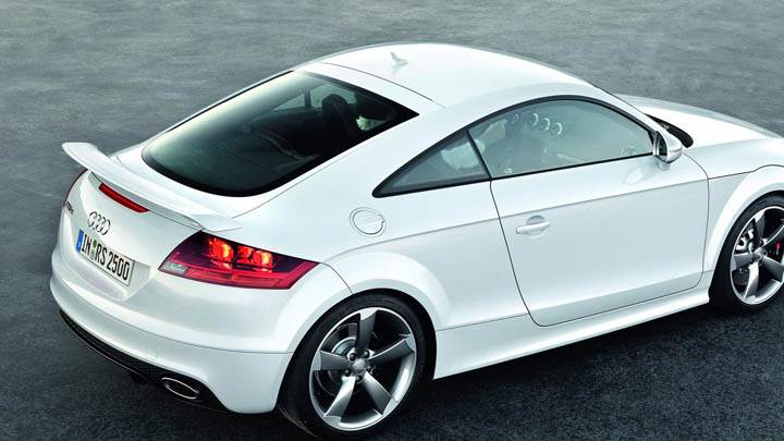 Audi TT-RS – Side Top Pose in White