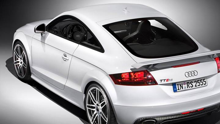Back Side Pose of Audi TT-RS