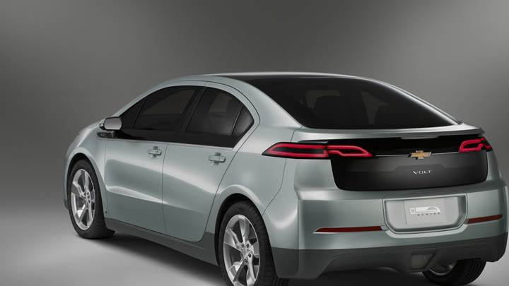 Chevrolet Volt – Back Side Pose