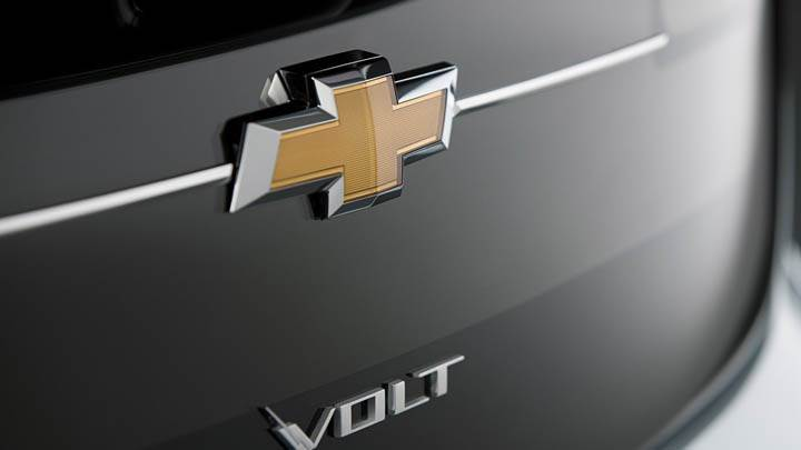 Chevrolet Volt – Logo On Trunk