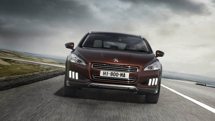Peugeot 508 RXH – Running On Road