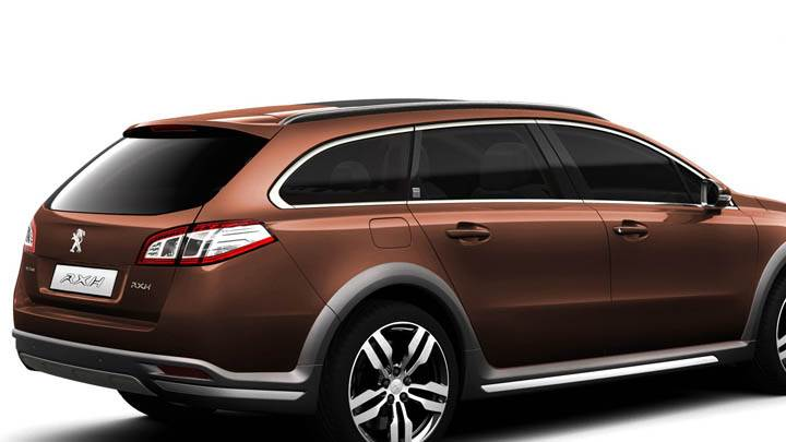 Peugeot 508 RXH – Side Back Pose in Brown Metallic