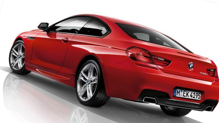 Side Back Pose of BMW F12 in Red