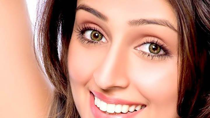 Aarti Chhabria Smiling Face & Cute Eyes
