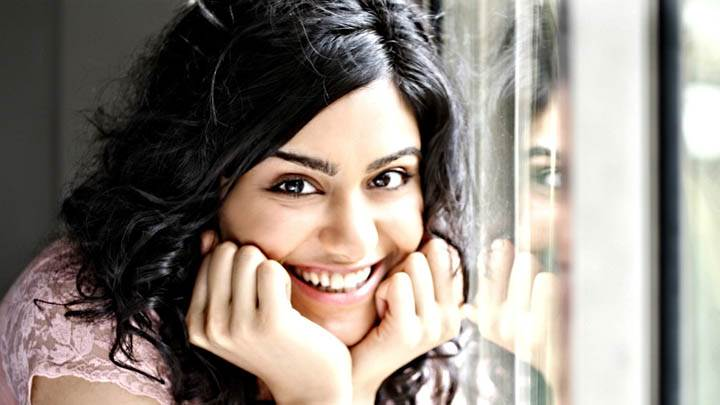 Adah Sharma Looking at Camera & Smiling