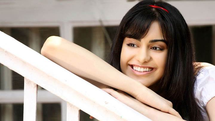 Adah Sharma Smiling & Cute Face Photoshoot