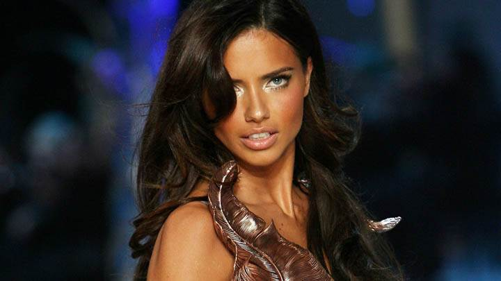 Adriana Lima Blue Eyes & Side Face Pose