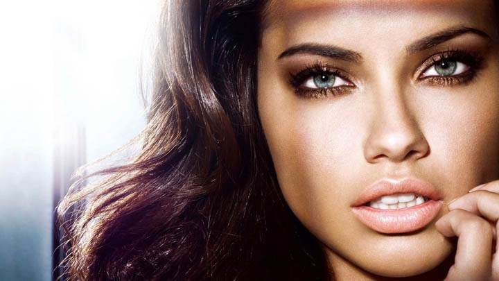 Adriana Lima Looking Front Face Closeup