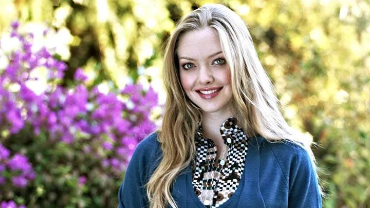 Amanda Seyfried Smiling in Blue Top