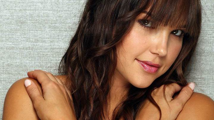 Arielle Kebbel Glossy Pink Lips Face Photoshoot