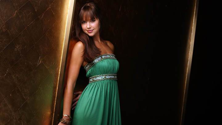 Arielle Kebbel in Green Dress Side Pose Closeup