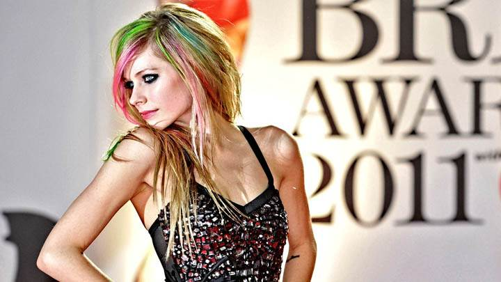 Avril Lavigne Modeling Pose in Show