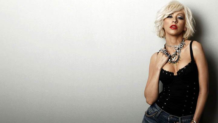 Christina Aguilera in Black Top Jeans & Jewellery