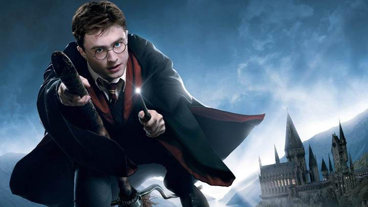 Daniel Radcliffe Flying in Harry Potter And The Deathly Hallows Part 2
