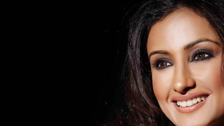 Divya Dutta Smiling Face Closeup & Cute Eyes