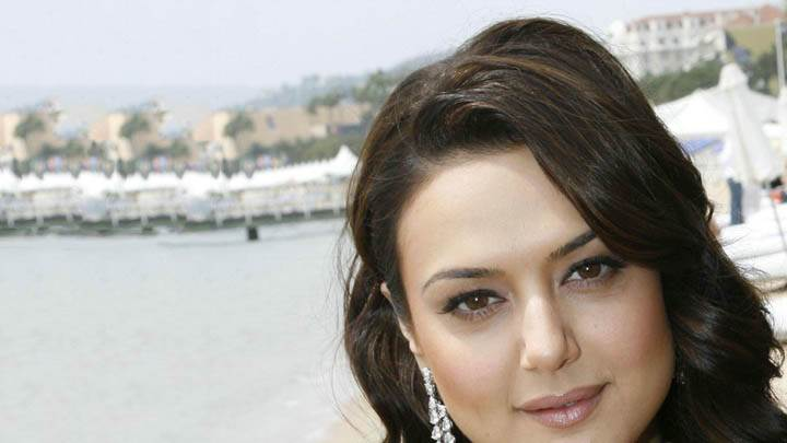 Preity Zinta – Beautiful Face Closeup