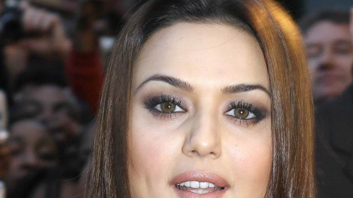 Preity Zinta – Brown Eyes Face Closeup