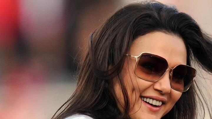 Preity Zinta Smiling In Goggle