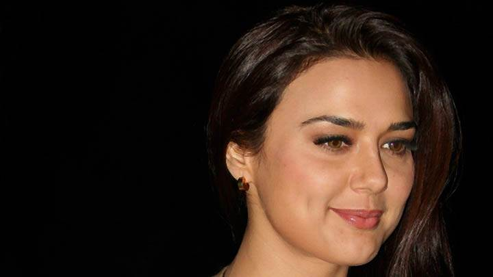 Preity Zinta – Red Lips Face Closeup