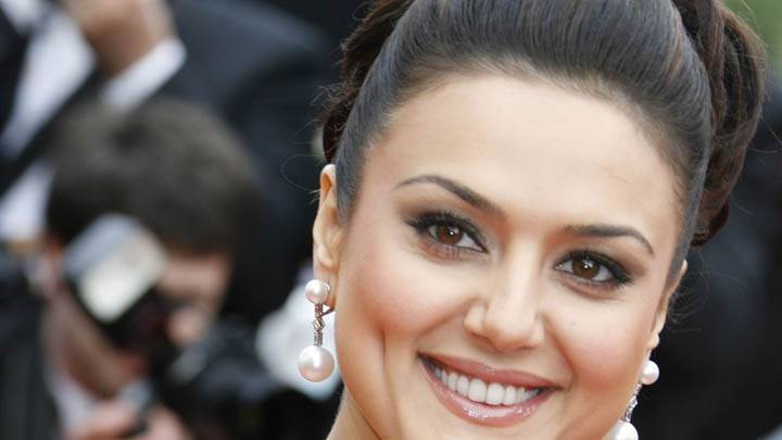 Preity Zinta – Smiling Face Closeup