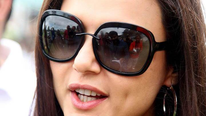 Preity Zinta – Talking With Press