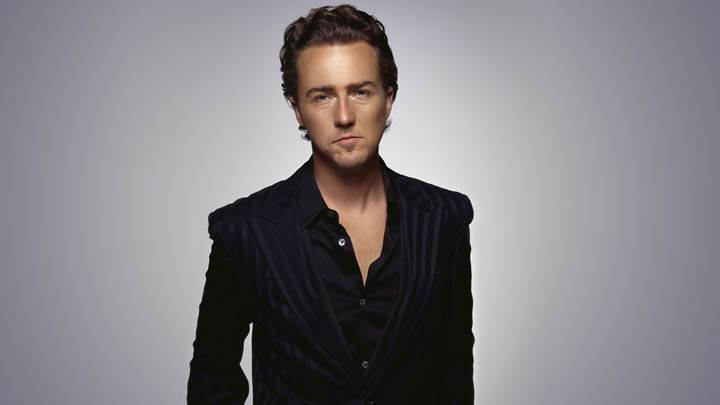 Edward Norton Looking Front In Black Coat Closeup