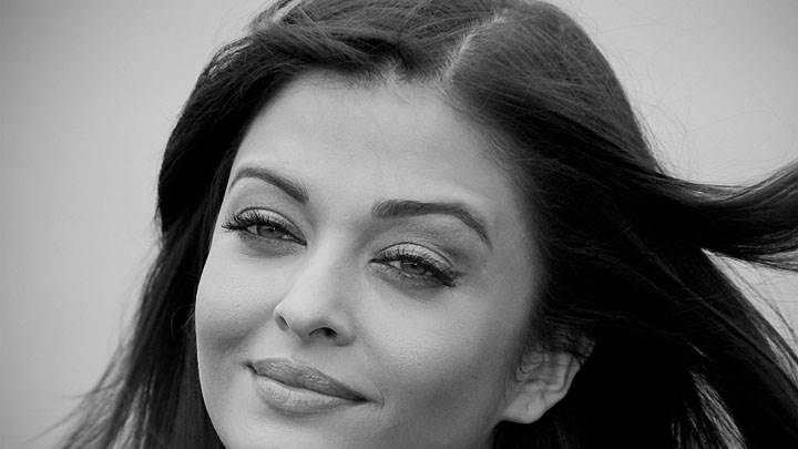 Aishwarya Rai Black & White Smiling Face Closeup