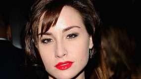 Allison Scagliotti Red Lips Smiling Face Closeup