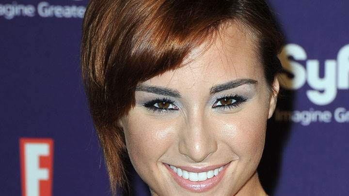 Allison Scagliotti Smiling Ultra Face Closeup