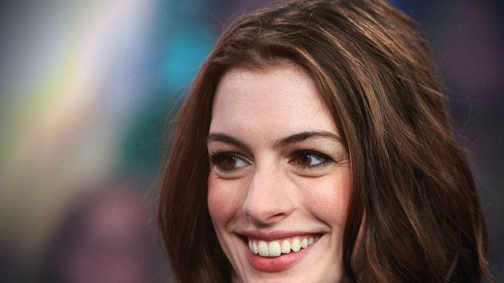 Anne Hathaway Smiling Side Face Closeup