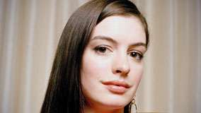 Cute Anne Hathaway Smiling Face Closeup