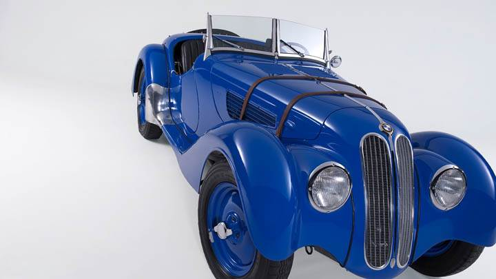 1936 BMW 328 Front Pose In Blue Color