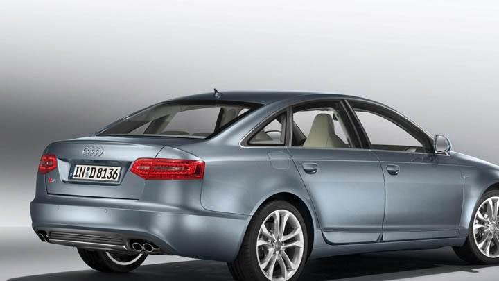 2009 Audi S6 Side Pose In Silver Color