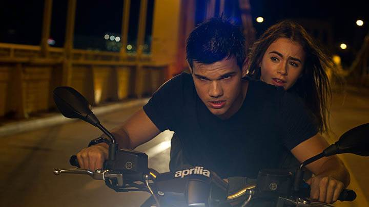Abduction – Taylor Lautner & Lily Collins On Bike