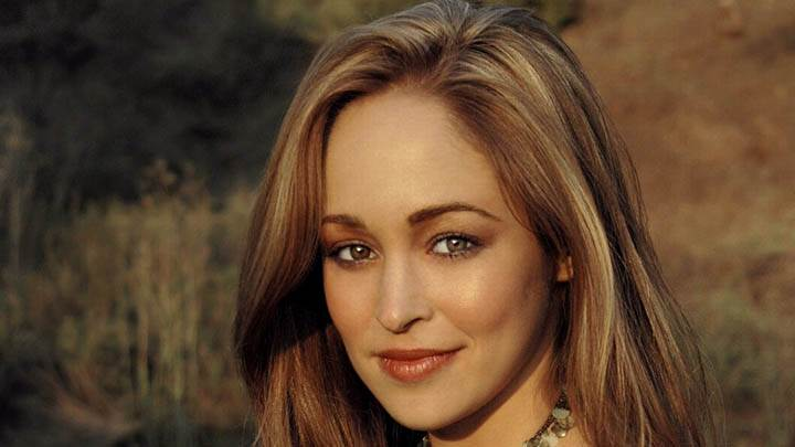 Autumn Reeser Smiling Face Closeup