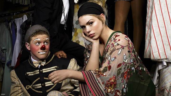 Billie Piper Sitting Pose With A Clown