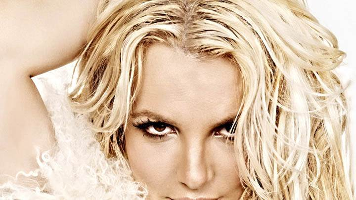 Britney Spears Golden Hairs & Smiling Face Closeup
