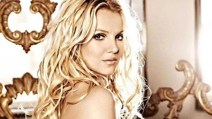 Britney Spears Looking Back Side Pose Photoshoot
