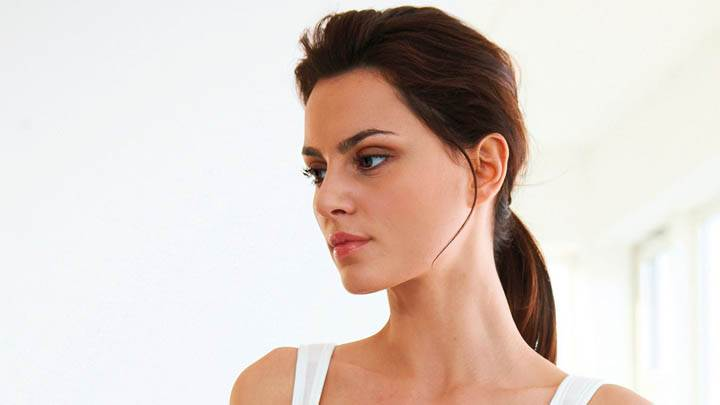 Catrinel Menghia Pink Lips & Side Face Photoshoot
