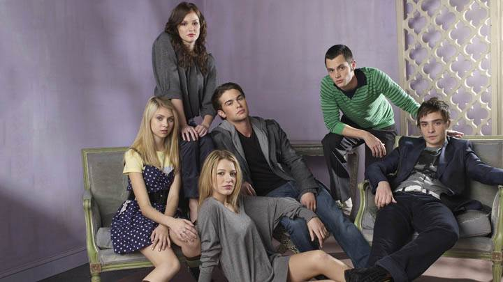 Group Pose In Gossip Girl