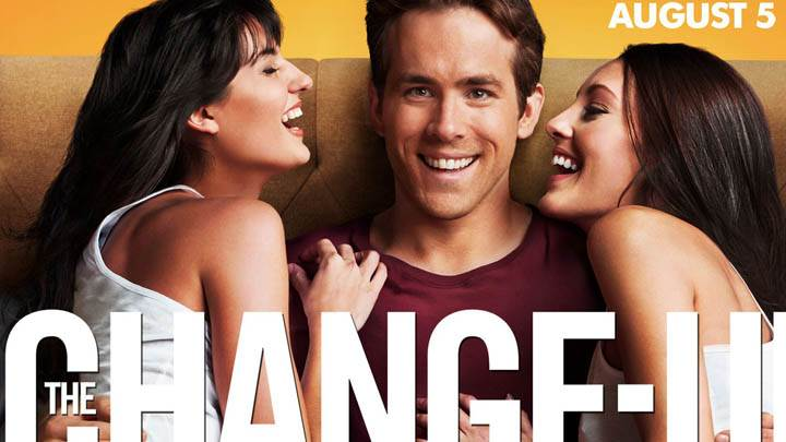 The Change-Up – Ryan Reynolds Sitting With Girls