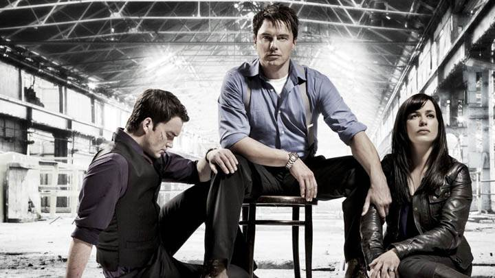 Torchwood – John Barrowman, Eve Myles And Gareth David-Lloyd Sitting Pose