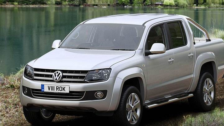 2011 Volkswagen Amarok – Driving Through River