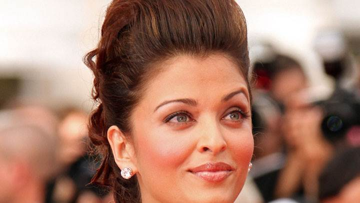 Aishwarya Rai Face Closeup In A Press Event